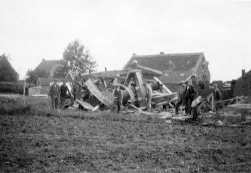de afgebroken windmolen in 1942