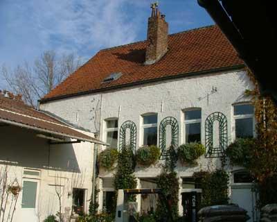 Het woonhuis in Biergies in 2003