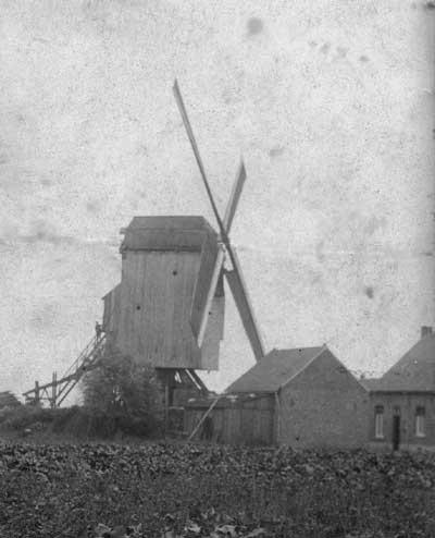 de windmolen uit Meren zoals hij wederopgebouwd werd in Houthem