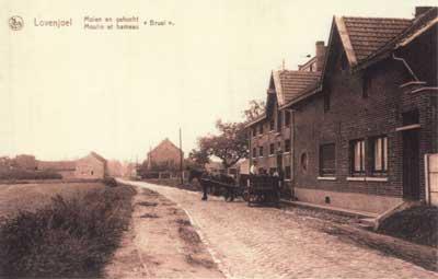 Woonhuis en molengebouwen in Lovenjoel in 1947